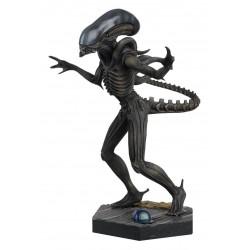 ALIEN XENOMORPH (Alien) - The Alien & Predator Figurine Collection